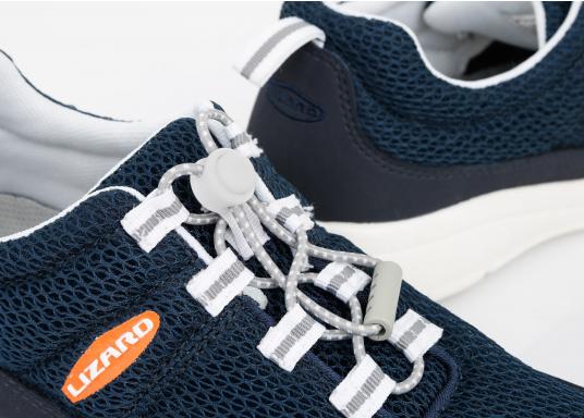 Ein superleichter Boots-Sneaker mit der Gummi Grip Sohlen Technologie von LIZARD bietet hervorragenden Halt auf jeder Oberfläche. Material: Mesh, Mikrofaser. Farbe: blau (Bild 2 von 13)