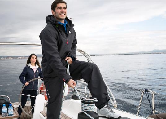 Die Pilot Coastal-Kollektion ist äußerst vielseitig, kann allein getragen oder bei zusätzlichem Wärmebedarf mit einer Mittelschicht kombiniert werden. (Bild 3 von 8)