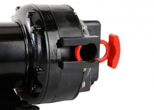 Leistungsfähige Druckwasserpumpe mit einer hohen Lebensdauer. Durch ihren geräuschlosen Betrieb und dem gleichmäßigen Wasserfluss ist die Pumpe die optimale Lösung für Ihr Druckwassersystem an Bord. (Bild 3 von 5)