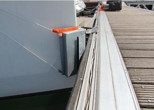 Durch den seaEQ Bugfender ist der Bug ihrer Yacht, z.B. beim Einfahren in die Box, vor Beschädigungen optimal geschützt. (Bild 3 von 3)