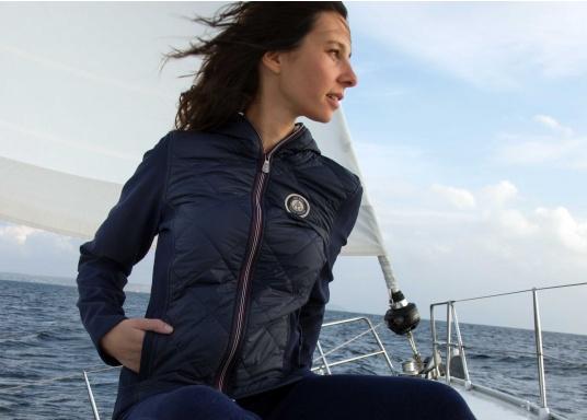 Die Damenjacke AJO im skandinavischem Look von KEY WEST ist ein modischer Hingucker. (Bild 3 von 10)