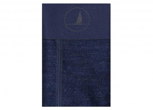Funktionshose aus100 % Wolle (Merinowolle) mit flachen Nähten. Für den Komfort besitzt die Hose ein weiches Jaquard Band. Durch die Wolle entsteht kein Kratzen und die Kleidung ist Geruchsresistent. Zusätzlich bietet die Hose einen UV-Schutz von 50+. (Bild 2 von 2)