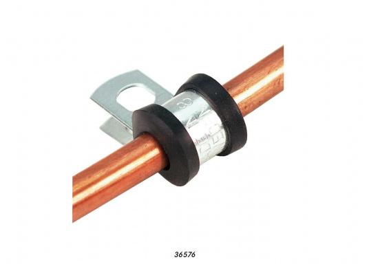 Passende, verzinkte Gas-Rohrschellemit Kunststoffeinlage für die Kumpferrohre mit einem Außendurchmesser von 8 mm. Die Rohrschellen verhindern ein Durchscheuern der Leitungen.  (Bild 3 von 3)