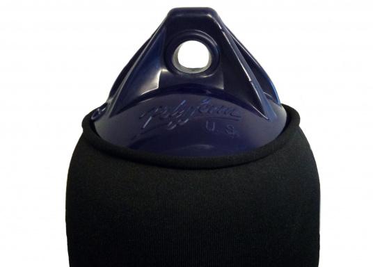 Housse de pare-battage à découper, en polyestère de grande qualité, également utilisé dans l'industrie automobile. Ce matériau est résistant aux UV, son utilisation en mer est donc idéale. (Image 2 de 5)