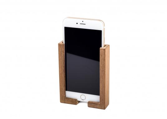 Hochwertige Smartphone Halterung aus Teak. Besteht aus zwei Teilen, und kann somit für jedes Smartphone passend montiert werden. Sichert Ihr Smartphone optimal während der Fahrt. (Bild 2 von 4)