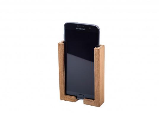 Hochwertige Smartphone Halterung aus Teak. Besteht aus zwei Teilen, und kann somit für jedes Smartphone passend montiert werden. Sichert Ihr Smartphone optimal während der Fahrt. (Bild 4 von 4)