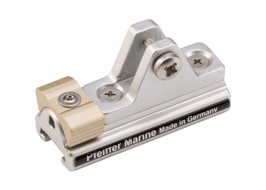 Der Schlitten mit Stopper (Unterteil) dient als Klappverdeckbeschlag und ist passend für die 20 x 3 T-Schiene von Pfeiffer. Material: Aluminium. (Bild 2 von 4)