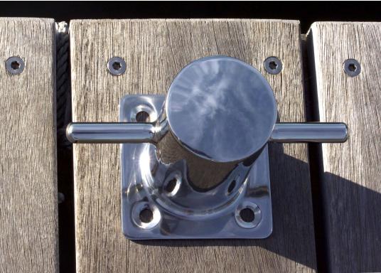 Poller aus stabilem Edelstahl, mit 4-Loch Befestigung und massiver Grundplatte. Material: V2A, AISI304. (Bild 3 von 4)