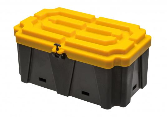 Extragroße Batteriekästen aus stabilem Kunststoff. Für eine fachgerechte Montage und einen optimalen Schutz von Nassbatterien an Bord.