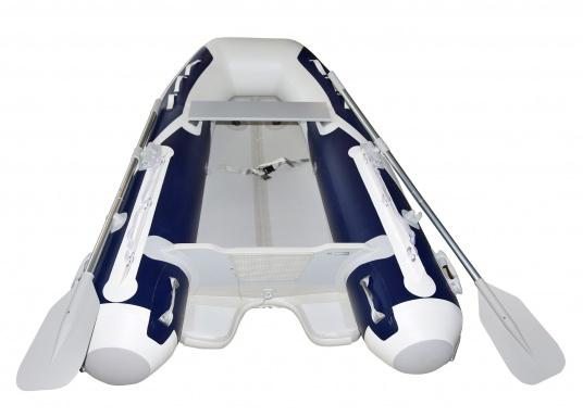 Das neue SEATEC Schlauchboot AEROTEND 240 vereint alle Vorteile der Lattenbodenboote und Festrumpfschlauchboote in einem: stabiles, festes Unterwasserschiff, sehr gute Fahreigenschaften, geringes Gewicht und hohe Tragkraft. (Bild 4 von 11)