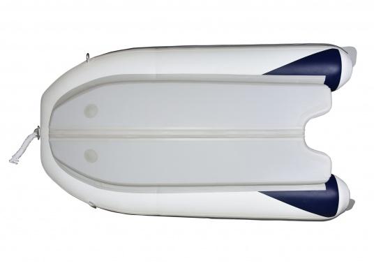 Das neue SEATEC Schlauchboot AEROTEND 240 vereint alle Vorteile der Lattenbodenboote und Festrumpfschlauchboote in einem: stabiles, festes Unterwasserschiff, sehr gute Fahreigenschaften, geringes Gewicht und hohe Tragkraft. (Bild 5 von 11)