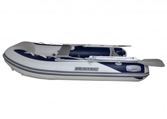 Das neue SEATEC Schlauchboot AEROTEND 260 vereint alle Vorteile der Lattenbodenboote und Festrumpfschlauchboote in einem: stabiles, festes Unterwasserschiff, sehr gute Fahreigenschaften, geringes Gewicht und hohe Tragkraft. (Bild 2 von 16)