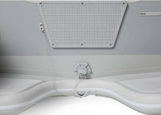 Das neue SEATEC Schlauchboot AEROTEND 310 vereint alle Vorteile der Lattenbodenboote und Festrumpfschlauchboote in einem: stabiles, festes Unterwasserschiff, sehr gute Fahreigenschaften, geringes Gewicht und hohe Tragkraft. (Bild 8 von 13)