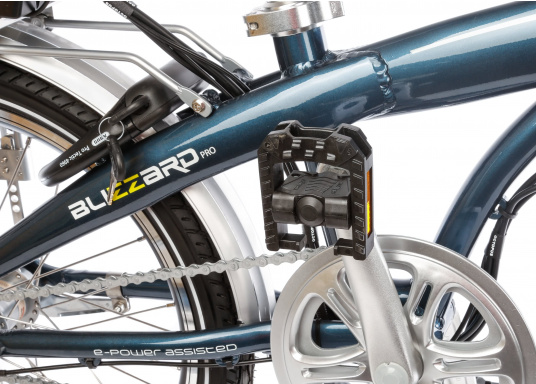 Take the road less traveled with the new BLIZZARD PRO electric folding bike. As the next generation of the popular predecessor BLIZZARD, the bike comes with a host of new features for an even wider range and more flexibility. Experience why folding electric bikes are all the hype now and are here to stay! (Imagen 13 de 20)