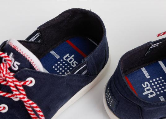 Modischer Canvas Damenschuh der Marke TBS in der Farbe marine blau. Der Schuh ist äußerst komfortabel zu tragen und passt sich dank des geschmeidigen Materials optimal an die Fußform an. (Bild 10 von 12)