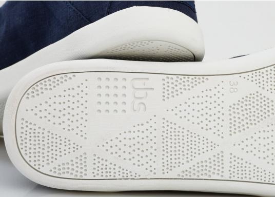 Modischer Canvas Damenschuh der Marke TBS in der Farbe marine blau. Der Schuh ist äußerst komfortabel zu tragen und passt sich dank des geschmeidigen Materials optimal an die Fußform an. (Bild 8 von 12)