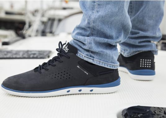Der sportliche TBS-Sneaker MAHANI ist sehr bequem zu tragen und gewährleistet jederzeit einen sicheren Halt an Deck. (Bild 2 von 9)