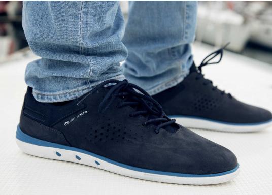 Der sportliche TBS-Sneaker MAHANI ist sehr bequem zu tragen und gewährleistet jederzeit einen sicheren Halt an Deck. (Bild 6 von 9)