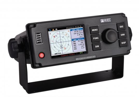 """Der CLASS A AIS-Transponder CAMINO-701 ist für Schiffe unter SOLAS für die weltweite Fahrt, aber auch für Binnenschiffe und die Sportschifffahrt zugelassen. Das Gerät verfügt über ein 3,5"""" Farbdisplay, auf dem alle relevanten Informationen angezeigt werden."""