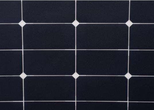 Die flexiblen und widerstandsfähigen Solarmodule der SUNBEAMSYSTEM CLASSIC Serie überzeugen mit hoher Effizienz bei kompakten Abmessungen und geringem Gewicht. Ideal für die rauen Bedingungen in nördlichen Breiten geeignet. (Bild 2 von 8)