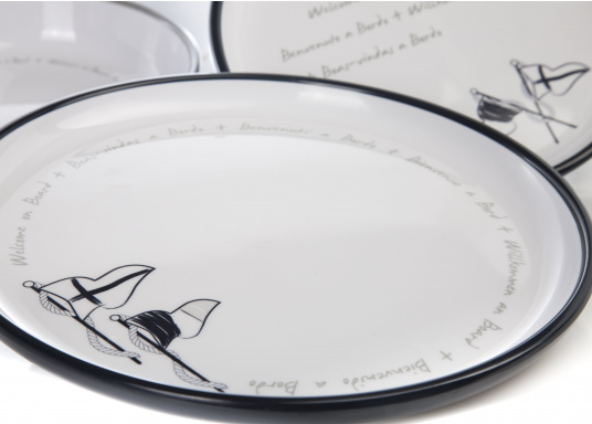 This 24-piece melamine WELCOME ON BOARD dinnerware set is perfect for six people and, thanks to the anti-slip ring on the bottom of each plate and cup, this set is ideal for use on board. The navy blue and gray colors give your cockpit table an elegant nautical design. (Image 7 of 8)