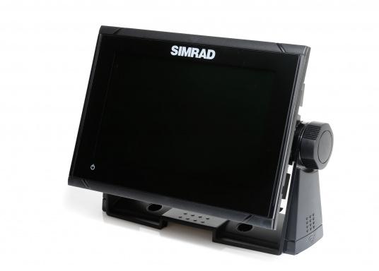 """Das neue 7"""" Kartenplotter-Navigationsdisplay GO7 XSR von Simrad bietet Ihnen eine Reihe von neuen Technologien. Durch einen integrierten GPS-Empfänger, drahtloser Konnektivität über WIFi, eine Vielzahl an Anschlussmöglichkeiten über das NMEA2000 Netzwerksystem und der Plug-and-Play Radarkompatibilität wird das Navigieren auch bei schlechten Bedingungen leicht gemacht. Lieferung inklusive TotalScan-Geber. (Bild 4 von 13)"""