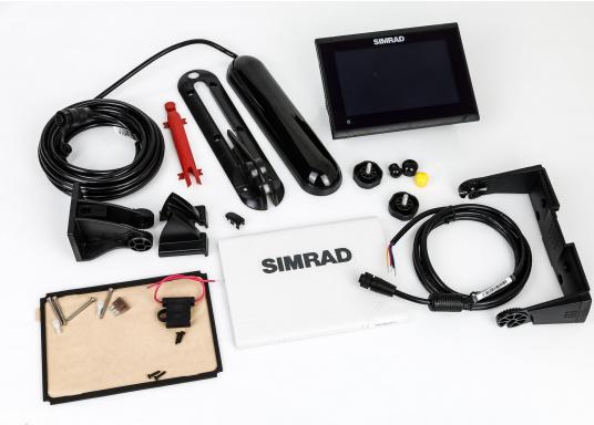 """Das neue 7"""" Kartenplotter-Navigationsdisplay GO7 XSR von Simrad bietet Ihnen eine Reihe von neuen Technologien. Durch einen integrierten GPS-Empfänger, drahtloser Konnektivität über WIFi, eine Vielzahl an Anschlussmöglichkeiten über das NMEA2000 Netzwerksystem und der Plug-and-Play Radarkompatibilität wird das Navigieren auch bei schlechten Bedingungen leicht gemacht. Lieferung inklusive TotalScan-Geber. (Bild 10 von 13)"""