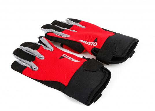 Der Musto Langfinger Segelhandschuh besteht aus 4-Wege Stretch Dynamic Mesh,welches nicht nur atmungsaktiv ist, sondern auch in Kombination mit der natürlichen Handform großen Komfort bei voller Bewegungsfreiheit bietet. (Bild 3 von 6)