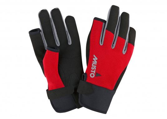 Der Musto Langfinger Segelhandschuh besteht aus 4-Wege Stretch Dynamic Mesh,welches nicht nur atmungsaktiv ist, sondern auch in Kombination mit der natürlichen Handform großen Komfort bei voller Bewegungsfreiheit bietet.