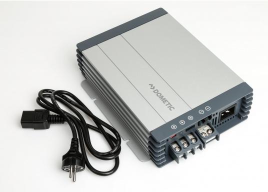 Avec le chargeur de batterie DOMETIC MCA1250 les temps de charge sont considérablement réduits. Il offre une technologie de charge sophistiquée avec une rapport qualité/prix imbattable, pour une technologie de charge 5 étapes et trois sorties. (Image 4 de 6)
