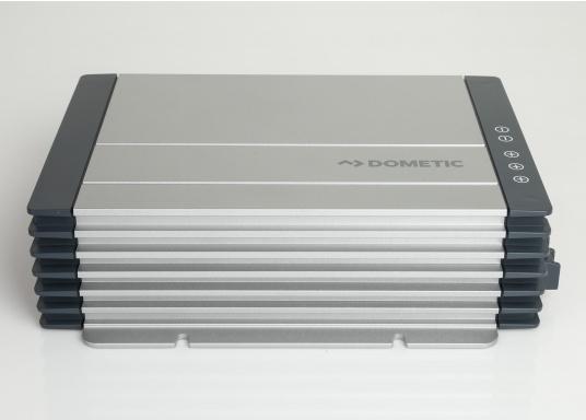 Avec le chargeur de batterie DOMETIC MCA1250 les temps de charge sont considérablement réduits. Il offre une technologie de charge sophistiquée avec une rapport qualité/prix imbattable, pour une technologie de charge 5 étapes et trois sorties. (Image 6 de 6)