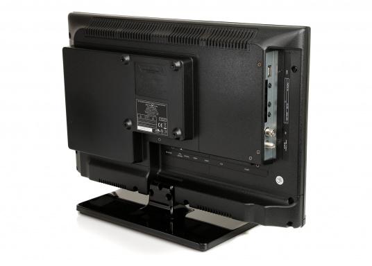 Kompakter 12V / 24V Fernseher für den vollen Fernsehspaß an Bord, im Auto oder im Caravan. Der 12V Fernseher überzeugt mit einem gestochen scharfen Bild in HD ready Qualität (1366 x 768 Pixel) und vielseitigen Empfangsmöglichkeiten. (Bild 3 von 7)