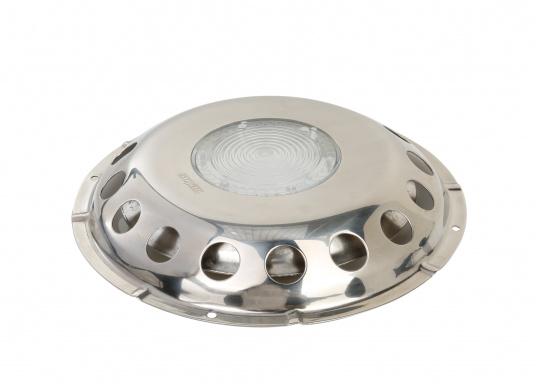 Der Edelstahl-Deckslüfter UFOTR von VETUS kann nicht geschlossen werden und gewährleistet so eine dauerhafte Belüftung. Mit transparentem Kunststoff-Einsatz für eine hohe Lichtdurchlässigkeit. Regen- und spritzwassergeschützt, mit hochglanzpolierter Außenseite.