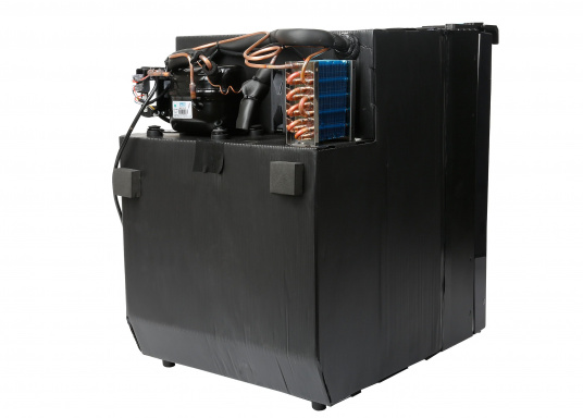Innovative CRE-50 compressor refrigerator from DOMETIC. 2-in-1 solution with removable freezing compartment, which gives you more space to cool additional foodstuffs. Smart electronics control the speed of the compressor; as a result, energy consumption can be reduced by 25%.   (Image 9 of 10)