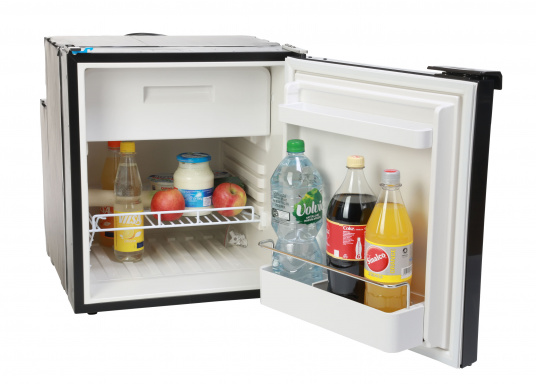 Innovative CRE-50 compressor refrigerator from DOMETIC. 2-in-1 solution with removable freezing compartment, which gives you more space to cool additional foodstuffs. Smart electronics control the speed of the compressor; as a result, energy consumption can be reduced by 25%.   (Image 4 of 10)