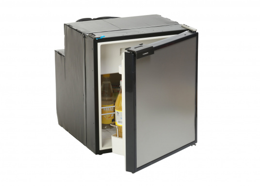 Innovative CRE-50 compressor refrigerator from DOMETIC. 2-in-1 solution with removable freezing compartment, which gives you more space to cool additional foodstuffs. Smart electronics control the speed of the compressor; as a result, energy consumption can be reduced by 25%.
