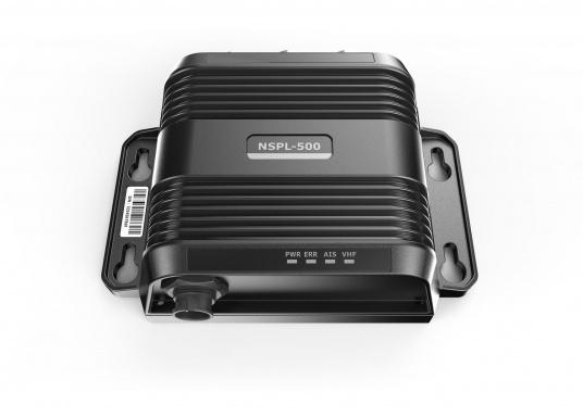 Mit dem Navico Antennensplitter können Sie eine UKW Antenne für Ihren AIS Sender/Empfänger und Ihr Funkgerät gleichzeitig verwenden. (Bild 2 von 6)