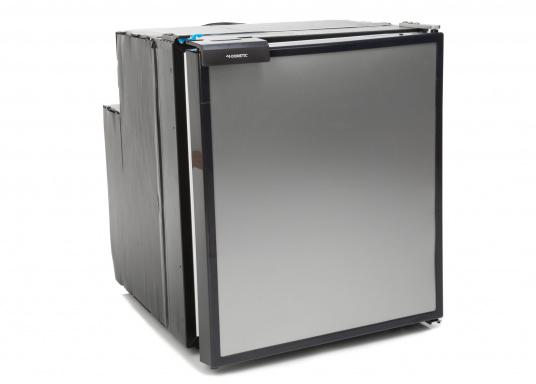 Innovativer Kompressor-Kühlschrank CRE-65 von DOMETIC. 2-in-1 Lösung mit herausnehmbaren Gefrierfach, so haben Sie bei Bedarf mehr Platz für weiteres Kühlgut. EIneintelligente Elektronik steuert die Drehzahl des Kompressors, der Energieverbrauch kann dadurch um bis zu 25% verringert werden. (Bild 2 von 6)