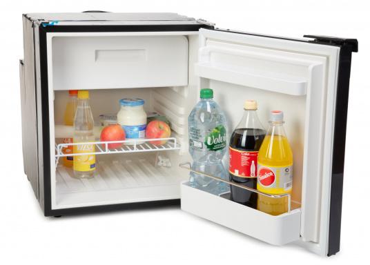 Innovativer Kompressor-Kühlschrank CRE-65 von DOMETIC. 2-in-1 Lösung mit herausnehmbaren Gefrierfach, so haben Sie bei Bedarf mehr Platz für weiteres Kühlgut. EIneintelligente Elektronik steuert die Drehzahl des Kompressors, der Energieverbrauch kann dadurch um bis zu 25% verringert werden. (Bild 4 von 6)