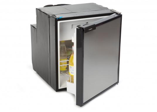 Innovativer Kompressor-Kühlschrank CRE-65 von DOMETIC. 2-in-1 Lösung mit herausnehmbaren Gefrierfach, so haben Sie bei Bedarf mehr Platz für weiteres Kühlgut. EIneintelligente Elektronik steuert die Drehzahl des Kompressors, der Energieverbrauch kann dadurch um bis zu 25% verringert werden. (Bild 3 von 6)