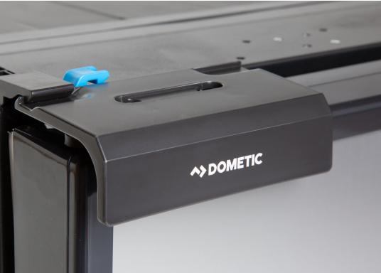 Innovativer Kompressor-Kühlschrank CRE-65 von DOMETIC. 2-in-1 Lösung mit herausnehmbaren Gefrierfach, so haben Sie bei Bedarf mehr Platz für weiteres Kühlgut. EIneintelligente Elektronik steuert die Drehzahl des Kompressors, der Energieverbrauch kann dadurch um bis zu 25% verringert werden. (Bild 5 von 6)