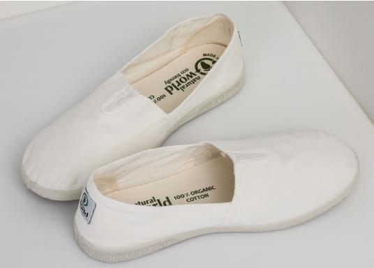 The light Camping Tintadois the perfect leisure shoe! Lace-free, making the summer shoe easy to slip on. Colour: white. (Image 3 of 7)