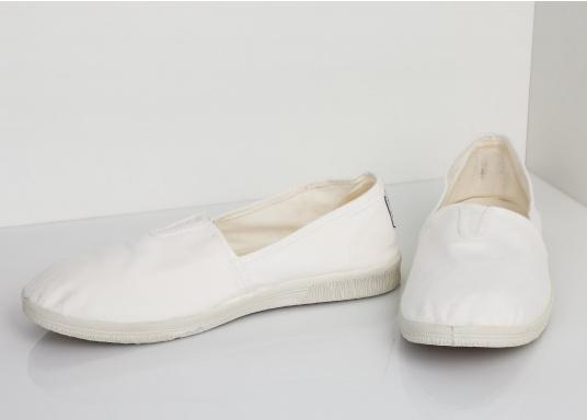 The light Camping Tintadois the perfect leisure shoe! Lace-free, making the summer shoe easy to slip on. Colour: white. (Afbeelding 5 of 7)