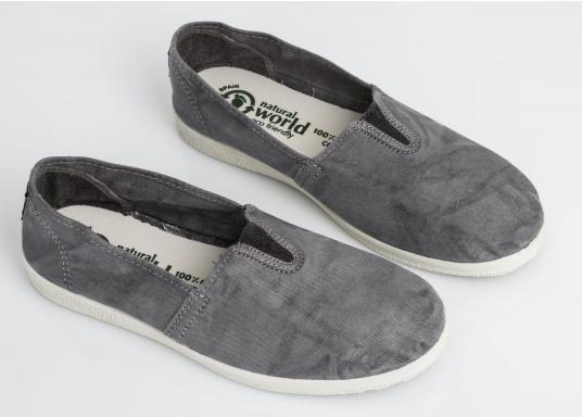 The light Camping Enzimatico is the perfect leisure shoe! Lace-free, making the summer shoe easy to slip on. Colour: grey. (Afbeelding 7 of 10)