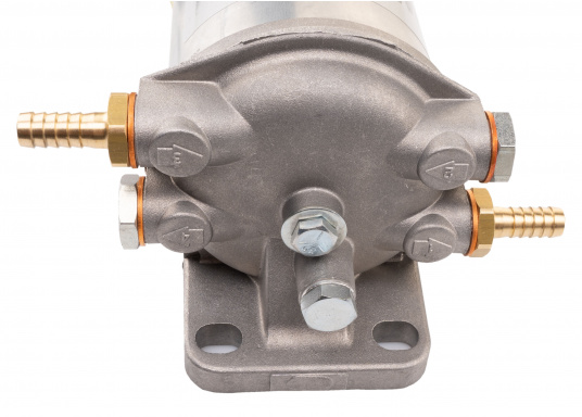 Diesel Kombi–Filter und Wasserabscheider in einem! Durch den Sichteinsatz kann jederzeit kontrolliert werden, ob sich Wasser angesammelt hat und über ein Ventil wird das angesammelte Wasser abgelassen. (Bild 6 von 7)
