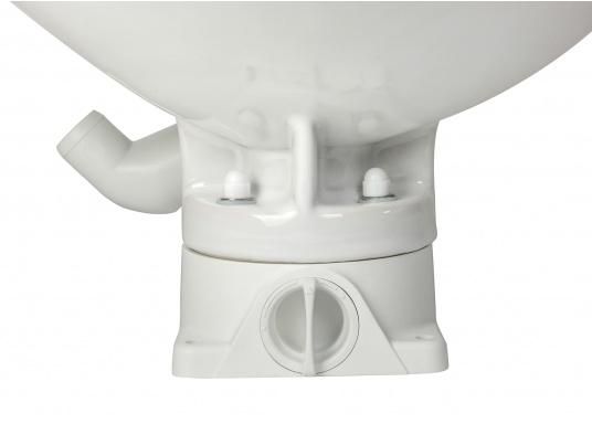 Das neue JABSCO Bord WC NEW STYLE mit manueller Pumpe steht für noch mehr Komfort. Neben dem großen Komfortbecken verfügt die Toilette über einen Soft Close-Deckel. Keramikbecken, massiver Sitz und Deckel, Unterteil und Pumpe bestehen aus weißem Duroplast-Kunststoff. (Bild 8 von 9)
