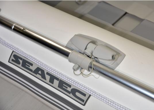 Das Set besteht aus dem SEATEC Schlauchboot NEMO 230 und dem Außenbordmotor Honda BF 2,3.  (Bild 10 von 11)