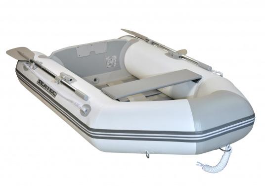 Das Set besteht aus dem SEATEC Schlauchboot NEMO 230 und dem Außenbordmotor Honda BF 2,3.  (Bild 4 von 11)