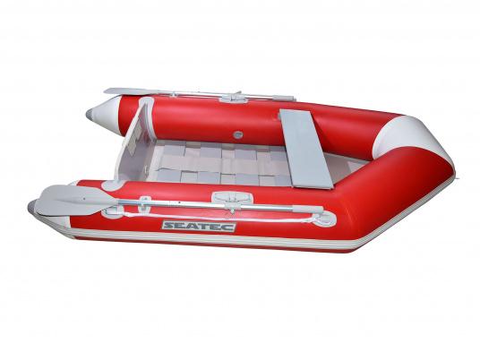 Das Set besteht aus dem SEATEC Schlauchboot NEMO 230 und dem Außenbordmotor Honda BF 2,3.  (Bild 2 von 13)