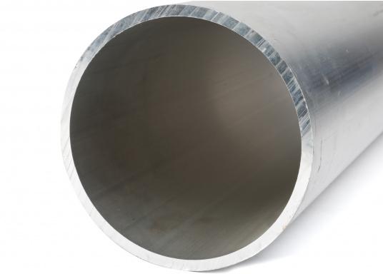 Optimal für Ihr Bugstrahlruder geeignet! Die aus Aluminium bestehenden Tunnel sind in unterschiedlichen Ausführungen erhältlich. (Bild 2 von 2)